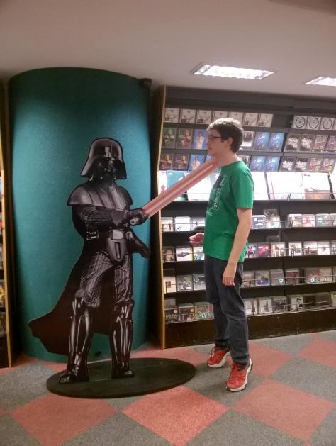 Livraria Cultura! Darth Vader me puniu pelo o que eu fiz com o Batman. :(