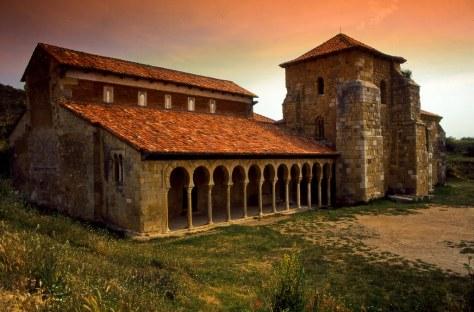 Mosteiro de San Miguel de Escalada, na região de Léon