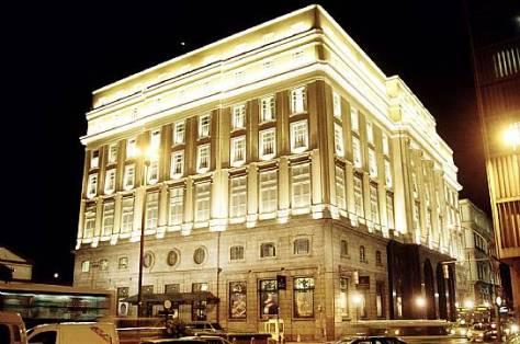 O prédio possui uma área construída de 19.243m². O CCBB ocupa 15.046m² desse total.